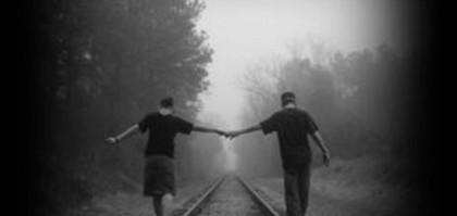 camminare mano nella mano.preview
